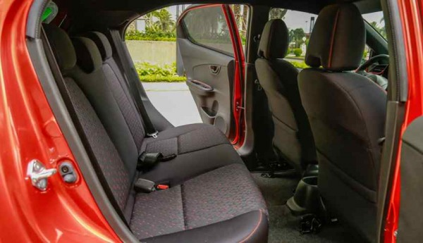 Khoang hành khách xe Honda Brio