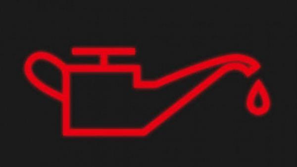 Một số người cứ thấy mức dầu phanh xuống thấp là lập tức bổ sung dầu cho đầy