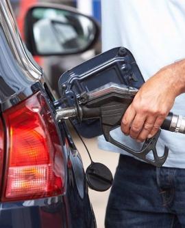 [Chia Sẻ] Cách tiết kiệm nhiên liệu và giải đáp 1 lít xăng ô tô đi được bao nhiêu km